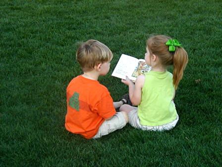 5895_8107 - crianças leitura